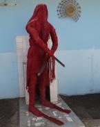 Kankouran : protecteur des circoncisi. Habillé de fibres végétales et porteur de sabre